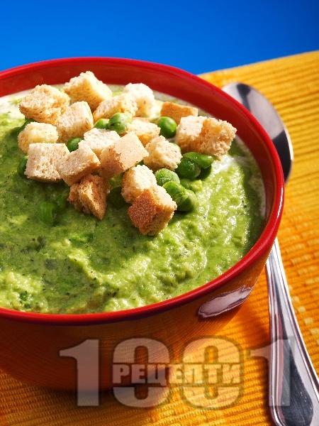 Крем супа от грах със заквасена сметана - снимка на рецептата